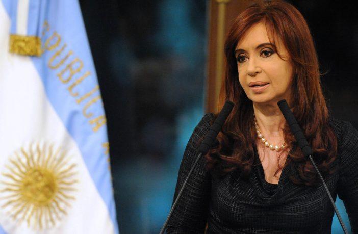 Infolítica-Cristina-cruzó-a-Macri-tras-asegurar-que-una-empresa-hace-años-no-quería-invertir-un-peso-en-este-país-702x459